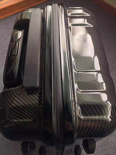 good quality carbon fiber clip suitcase